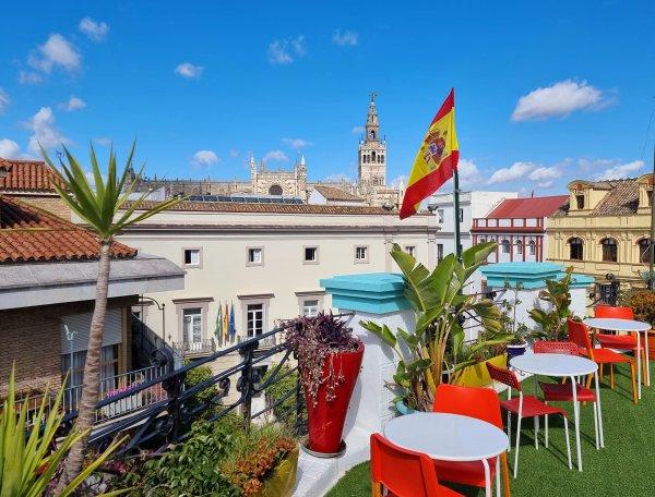 Sevilla Kitsch Hostel Art, Sevilija