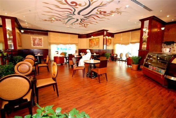 Al Bustan Tower Hotel Suites, Sharjah
