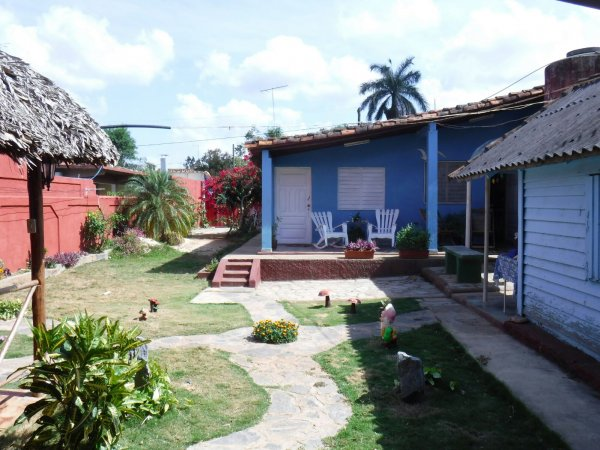 Casa Colonial Dany y Carlos, 비날레스