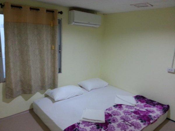 Paradise Dorm Room, Koh Phi Phi Don Island