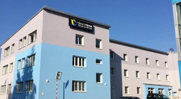 Sport Hotel Sletiště, クラドノ
