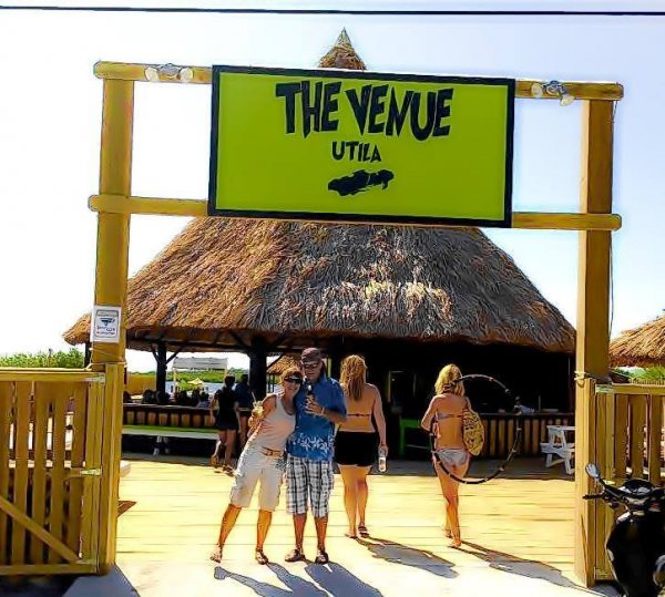 The Venue - Adventure Hostel, Bar and Grill, Utila