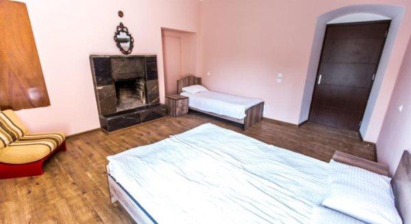 Sanapiro Guest House, 텔라비