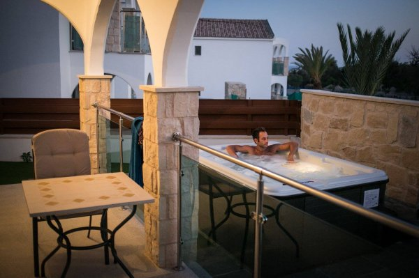 Caprice Mediterranean Resort, Пафос