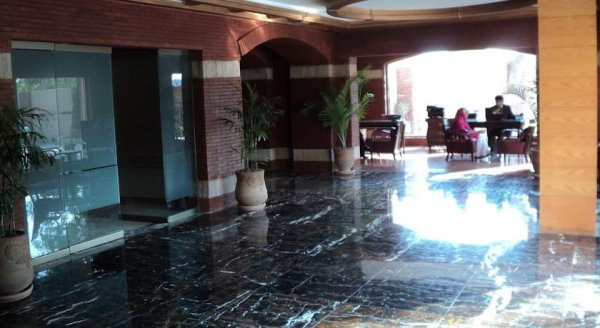 Hotel One Faisalabad, Файсалабад