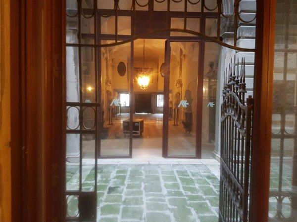 Rialto Regina House, Venecia