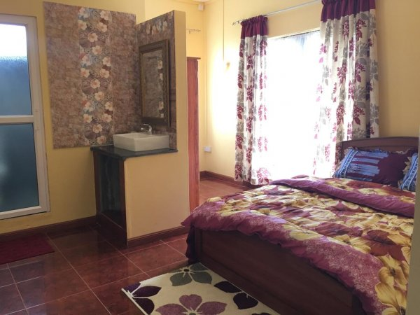 SkylineInn Hotel, Surinam