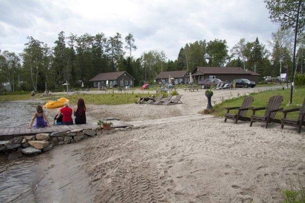 The Cottages Baie Cascouia and BnB Au bord du Lac, 魁北克