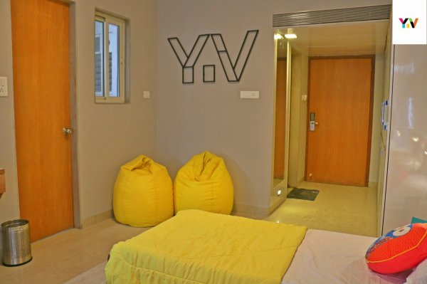 Youthville Hostel, Pune