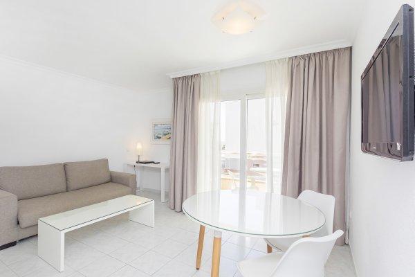 Duquesa Playa, Ibiza