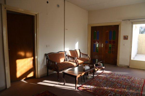 Annie Hostel, Esfahan