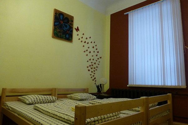 Mr. Hostel, Riga