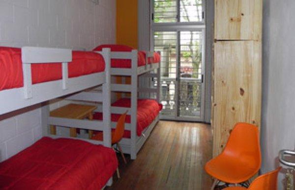 Student's Hostel, मोंटेवीडियो