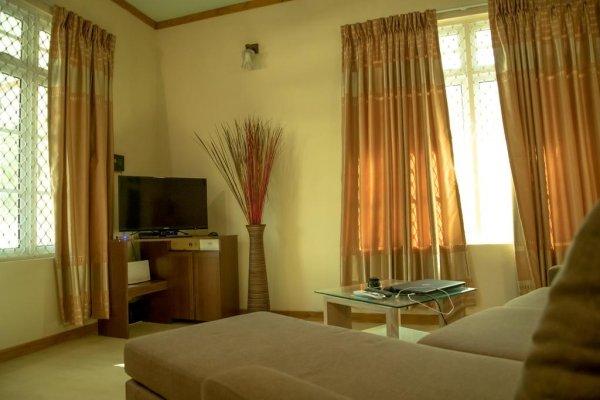 Zayan Holiday Home, Addu City