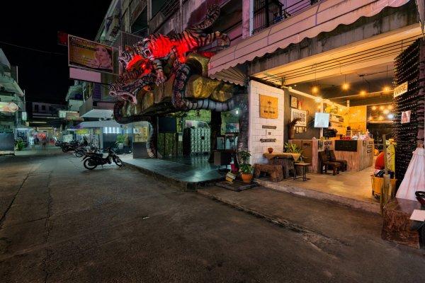 Wire Hostel Patong, Patong Beach
