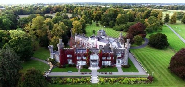 Home by Train+Golf+Airport, Dublin