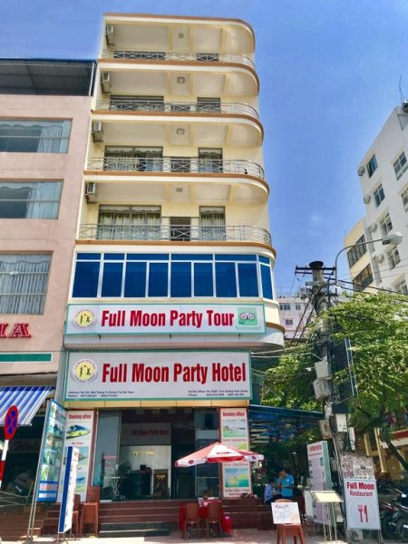 Full Moon Party Hotel, Haiphong