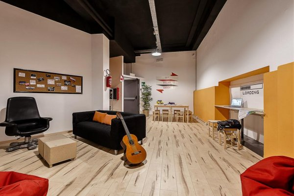 Queen Hostel, Milano