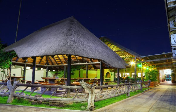 Kalahari Arms Hotel, Khemsbok