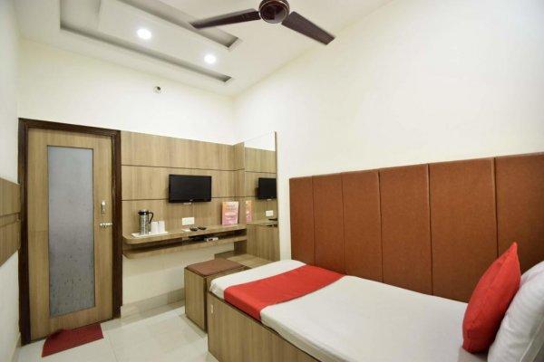 Hotel Atlantic, Alwar
