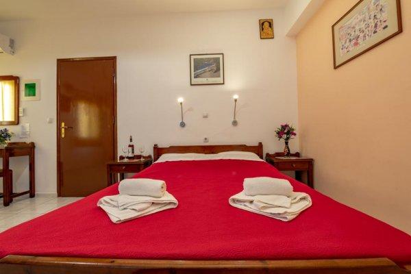 Poco Loco Hotel, चेनिया