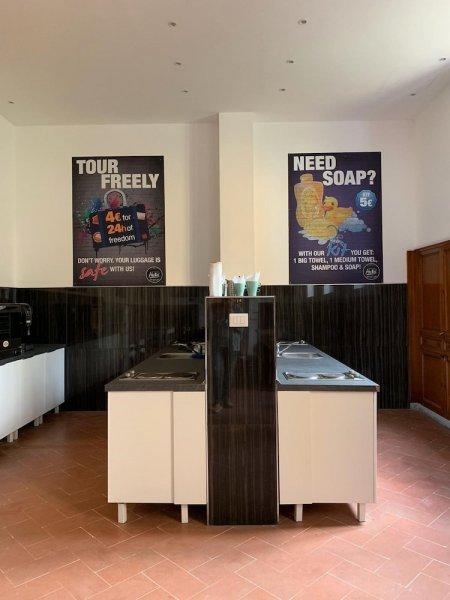New Generation Hostel Bucharest Center, Букурещ