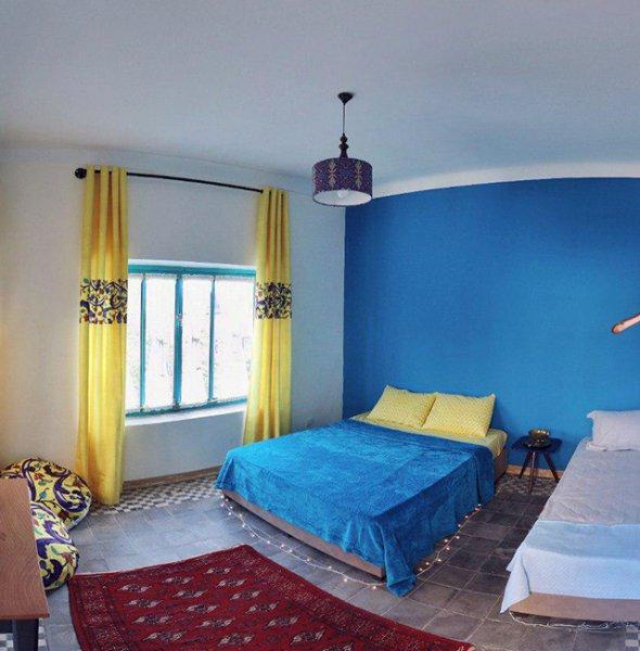 ZEE Hostel Tehran, Tehran