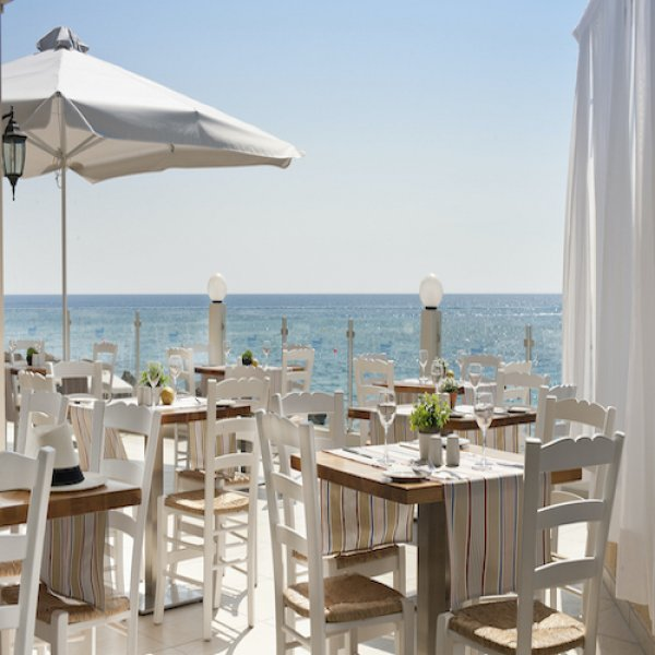 Pernera Beach Hotel, パラリムニ