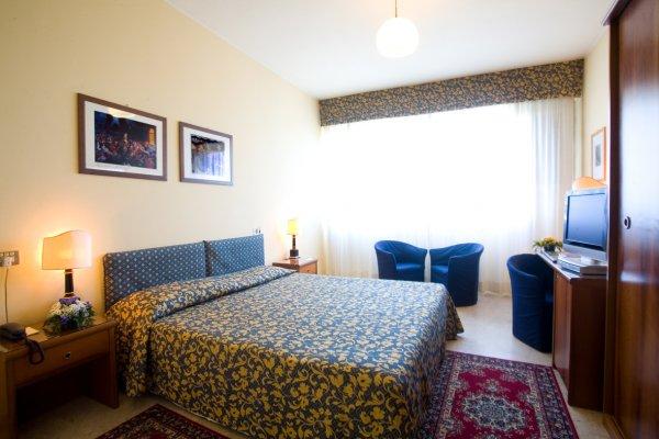 Hotel Savoy, Pesaro
