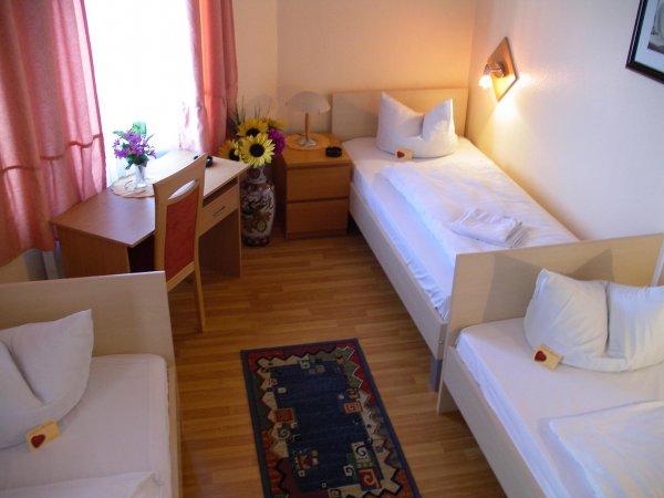 Hotel Garni Djaran, 美因河畔奥芬巴赫