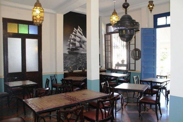 Hôtel Central, Casablanca