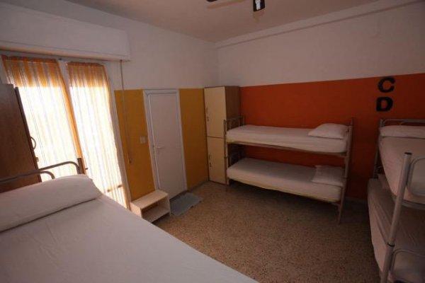 Sunflower City Backpacker Youth Hotel, Rimini