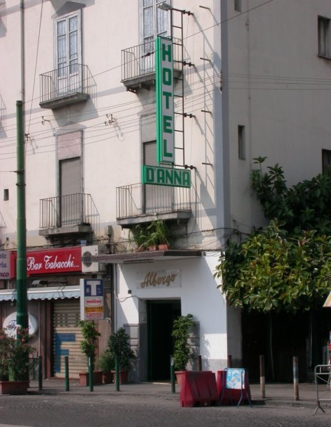 Hotel D'Anna, Nápoly