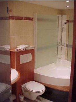 Logis HOTEL DE LA SURE - REST. COMTE GODEFROY, Esch-sur-Sure