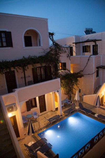 Markakis Studios Fira, Santorini