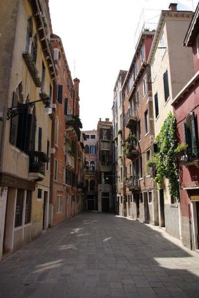 Ai Boteri, Venice