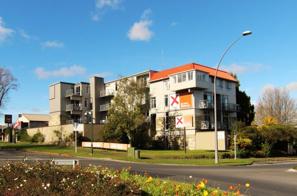 Base Rotorua, ロトルア